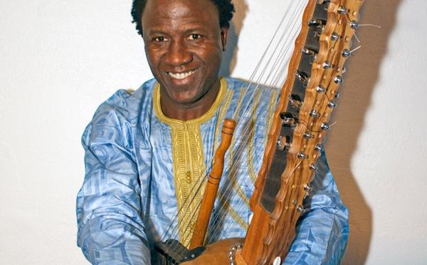 En koramusiker på väg – Lamine Cissokho åker på turné