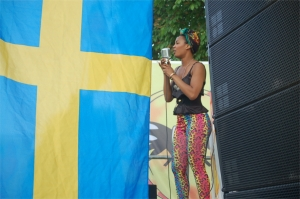 Foto: Artisten Etzia firar Sveriges Nationaldag 2013