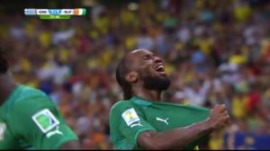 Didier Drogba efter lagets kvitteringsmål mot Grekland - Bild: Thegambia.nu
