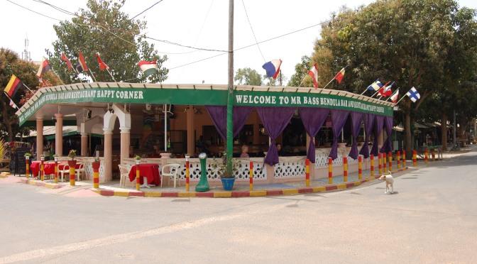 Happy Corner – en välkänd restaurang i turisternas Gambia som nu renoverats