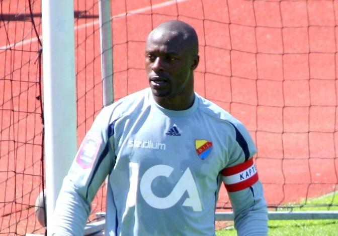 Målvaktslegenden Pa Dembo Touray tillbaka i Sverige