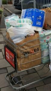 Blöjor, papper och förfriskningar. Basala behov vi alla har - Foto: Afropé I Kiqi D Minteh