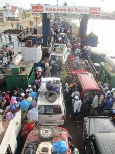 På färjan mellan Banjul och Barra Foto: Fatou Touray, Afropé