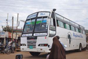 En buss i Ugandas huvudstad Kampala. Foto: Simisa