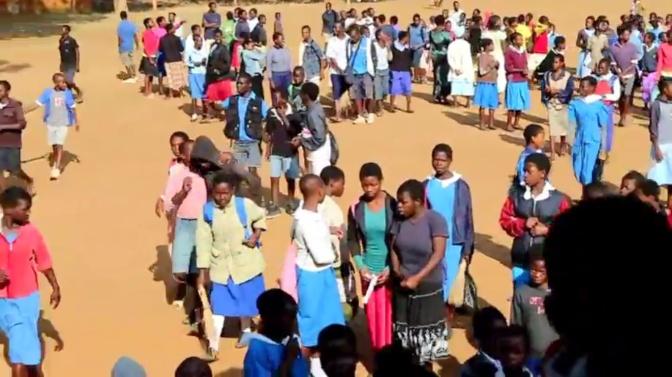 Theresa Kachindamoto räddar flickor från barnäktenskap i Dedza, Malawi