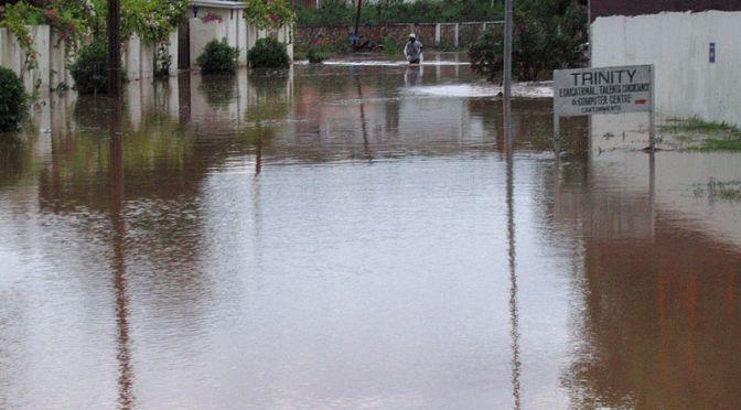 Kraftiga skyfall orsakar omfattande översvämningar i Ghana