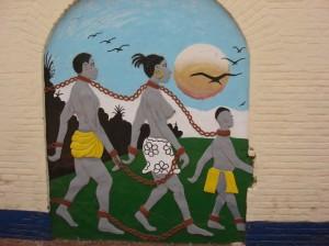 En väggmålning som illustrerar slaveriet.  Foto: Fatou Darboe, Afropé