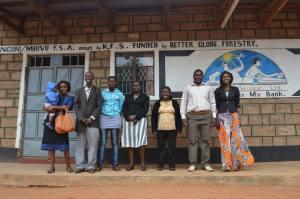 Banken på bilden är ett kooperativ. Better Globe ger bankerna starthjälp och hjälp med driften i upp till två år. Foto: Asta Norrman