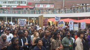 Från manifestationen i Stockholm 2016 för Black Lives Matter. Foto: Fatou Darboe, Afropé