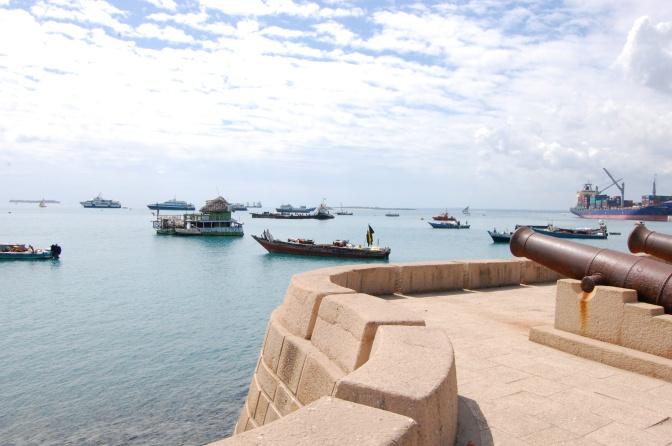 Översvämningar tvingar Zanzibars skolor att stänga