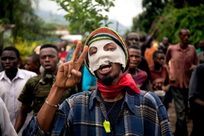 """Författarintervju: """"När folk väl har börjat döda varandra är det svårt att få dem att sluta"""" – (Afropé-rabatt)"""